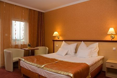 Free double room of Aqua-Spa Wellness Hotel**** Cserkeszolo