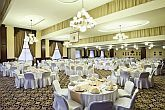 Restaurant in the Hotel Kapitany with gala dinner, excellent location for weddings, meetings, conferences and company events